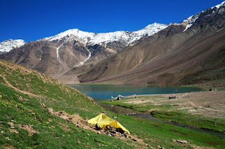 Chandratal Baralacha Track (Places to visit in Manali)