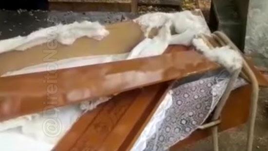 caixao desmonta sepultamento familia funeraria direito