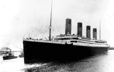 Gambar kapal titanic sebelum tenggelam