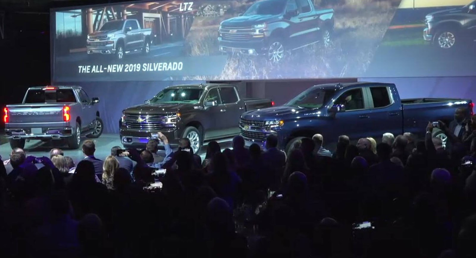Chevrolet Silverado 1500 Revealed in Detroit