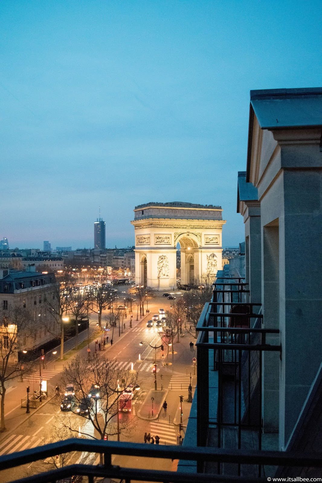 Paris Hotels With Views of Eiffel Tower [and Arc de Triomphe] | hotels with eiffel tower view from room