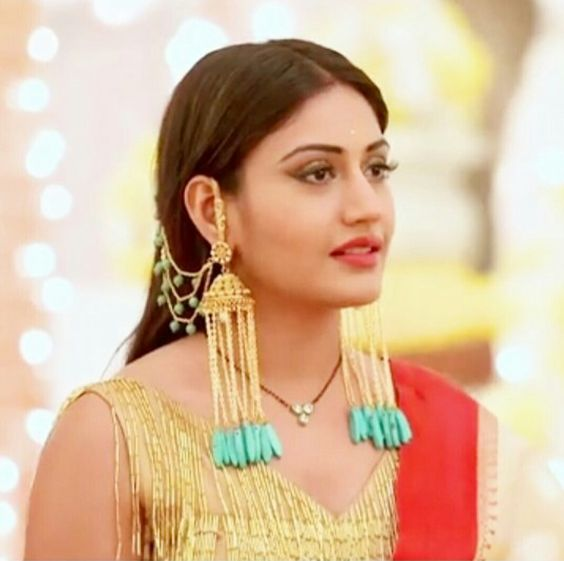 Ishqbaaz Outfits Trends To Follow