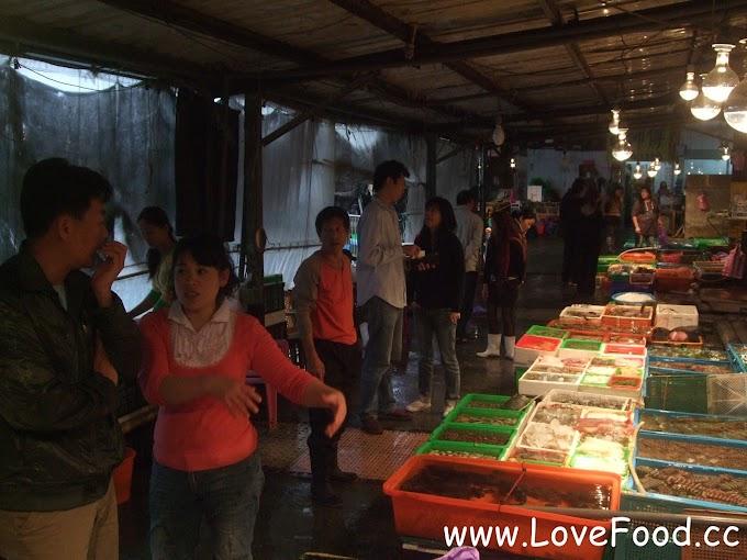 新北石門-富基漁港-買海鮮吃海產 體驗有趣的海產拍賣文化-fu ji yu gang