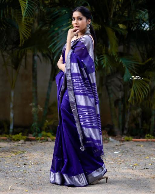 Actress Rashmi Gautam Beautiful In Her Facebook Pictures Navel Queens