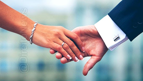 reconhecida uniao estavel paralela ao casamento