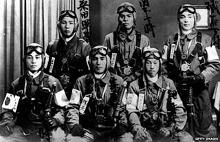 Bunuh diri tentara Jepang, Perang Dunia 2, Bunuh diri jepang perang dunia 2, alasan tentara jepang bunuh diri, mengapa tentara jepang bunuh diri, kamikaze bunuh diri alasan, orang jepang bunuh diri.