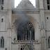 Se desata un incendio en la histórica catedral de Nantes, una de las iglesias góticas más grandes de Francia
