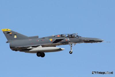 Dois IAI Kfir TC-2 para repor perdas operacionais