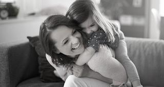 «Αυτή είναι η μαμά μου. Μέχρι που μια μέρα, ξαφνικά άλλαξε». Μια πολύ όμορφη ιστορία