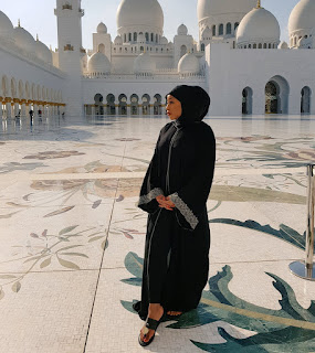 Ritha Dominic in Muslims Model figure as she visit Abu-Dhabi Mosque