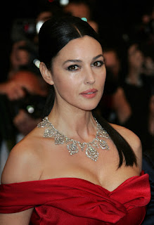 Monica Bellucci Deep Cleavage Show