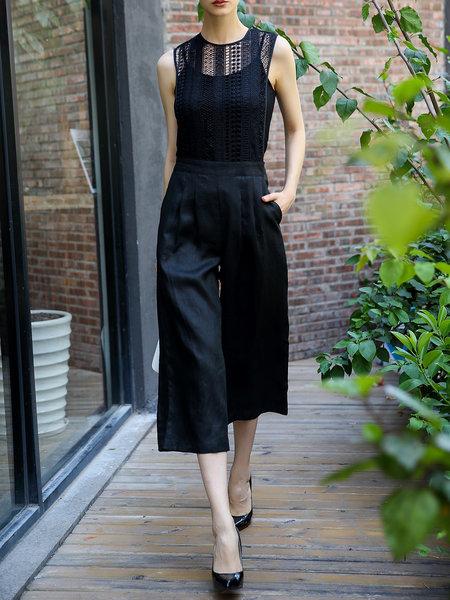 https://www.stylewe.com/product/black-sleeveless-crocheted-jumpsuit-63900.html