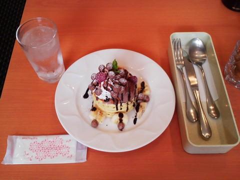 バースデーパンケーキ¥0-1 デニーズ黒川店