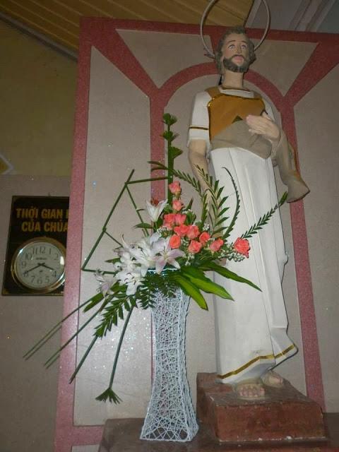 Một số mẫu cắm hoa cho bàn thờ thánh Giuse, Nghệ thuật cắm hoa nhà thờ, Cắm hoa phụng vụ, cắm hoa nhà thờ đẹp, cắm hoa nghệ thuật, cắm hoa theo mùa phụng vụ