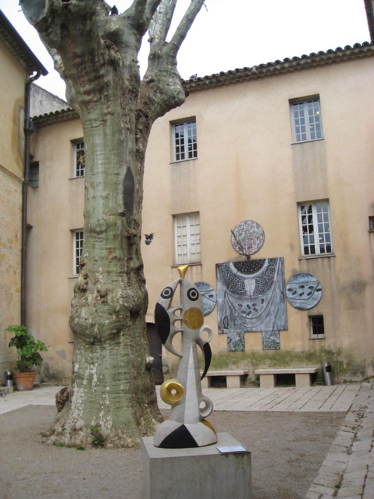 在法國瓦爾勞里斯見畢加索的戰爭與和平藝術品