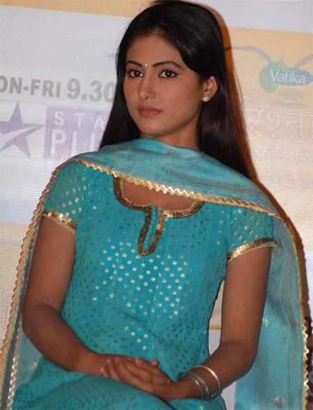 Star Plus Hot Actress Hina Khan Latest Photos 2012