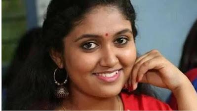 rinku rajguru in hundred web series gave super hit film sairat at the age of 14