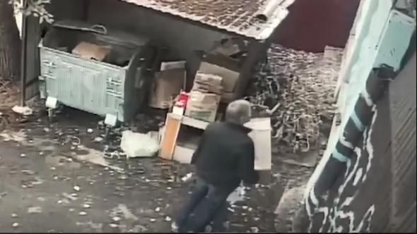В Нижнем Новгороде мужчина перекинул щенка через двухметровый забор приюта