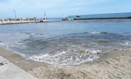 Άδειασε το λιμάνι λόγω του σεισμού στην Άρβη