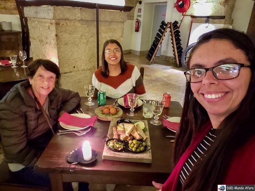 Jantar com show de Fado em Lisboa - Walkborder: receptivo em Lisboa