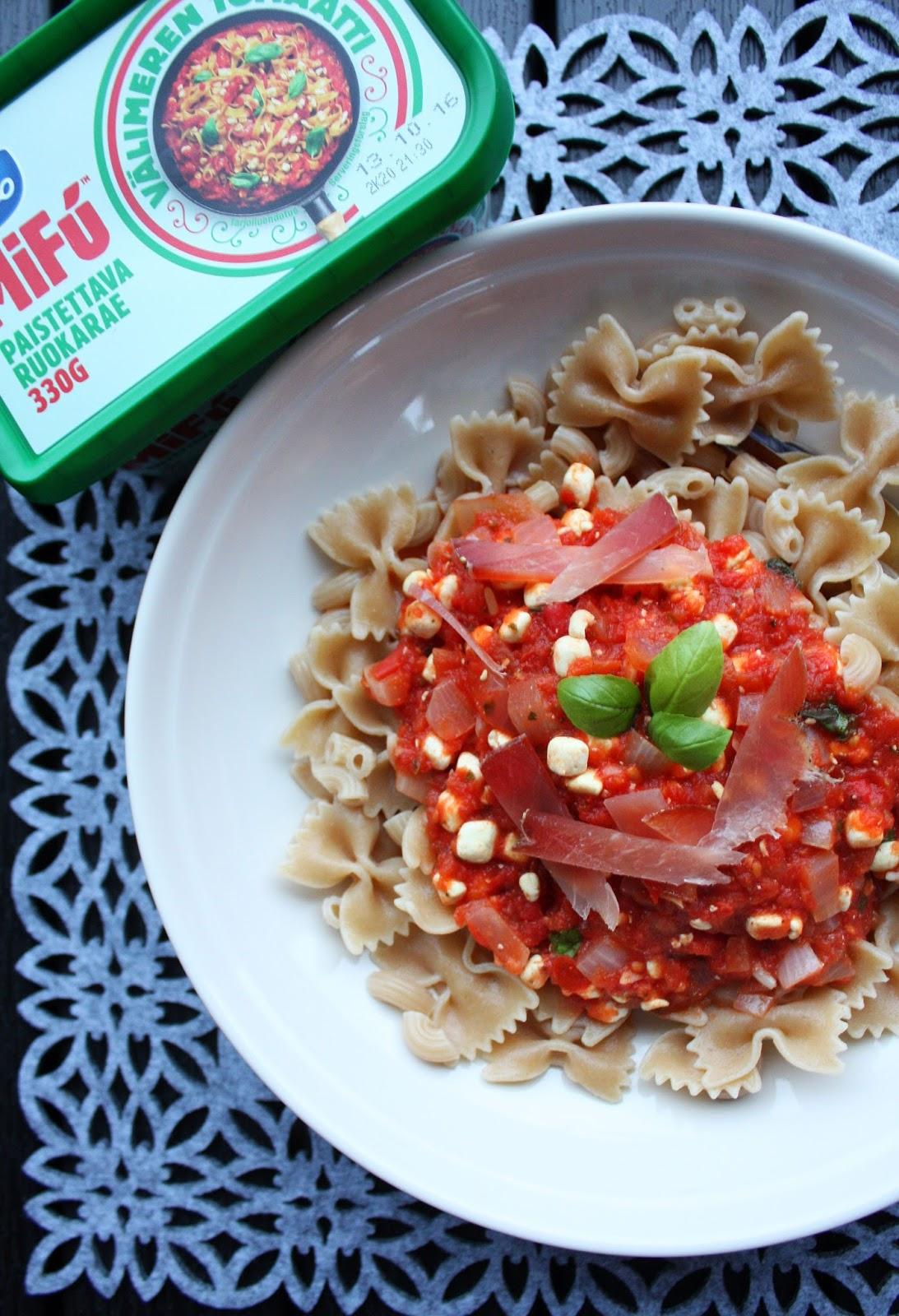 Mifu MiFu ruokarae lihankorvike maitoproteiini mifunoitu tomaattipasta mallaspulla