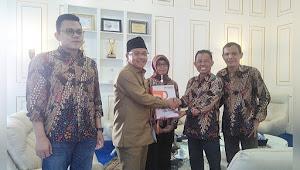 Audiensi dengan Walikota Bawaslu Kota Malang Serahkan Laporan Pilkada 2018