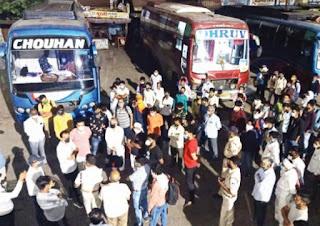 महाराष्ट्र से आरही ओर इंदौर से महाराष्ट्र जा रही 5 बसों को मध्यरात्रि किया गया जप्त