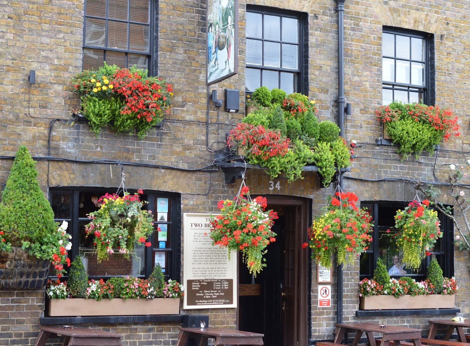 A Short Stay in Windsor with Kids  - two brewers windsor pub