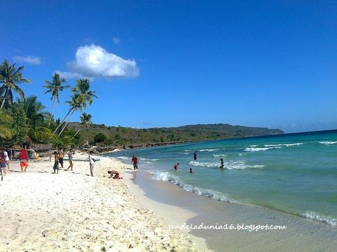 Pantai Maria Raja, Pantai Yang Sangat Indah Akan Alamnya