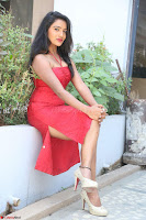 Mamatha sizzles in red Gown at Katrina Karina Madhyalo Kamal Haasan movie Launch event 035.JPG