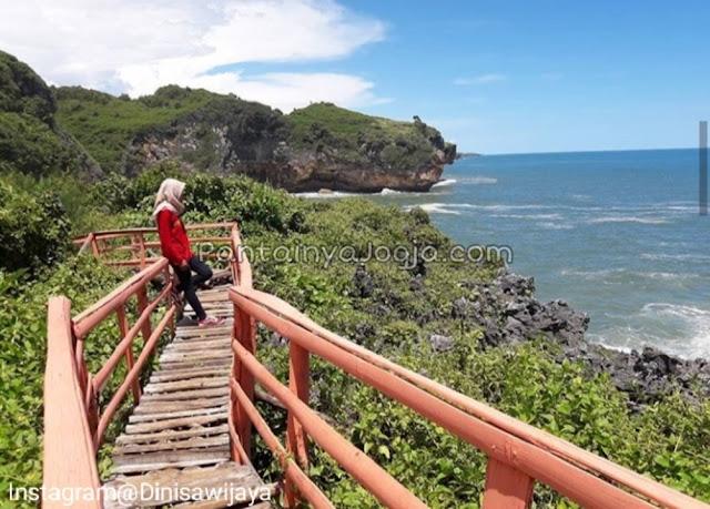 Jembatan cinta pantai Buron