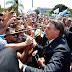 NO URUGUAI, JAIR BOLSONARO É RECEBIDO POR MULTIDÃO