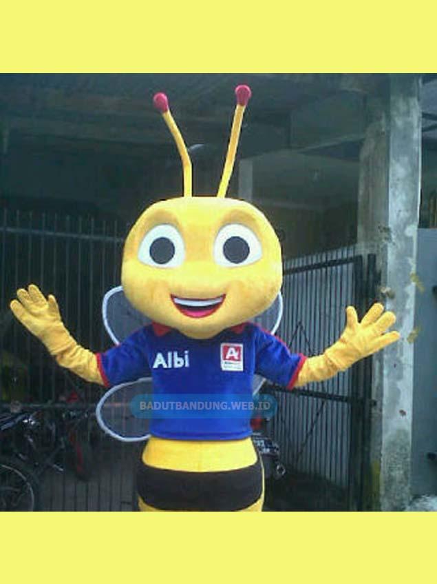 Gambar badut lebah albi maskot alfamart baju biru