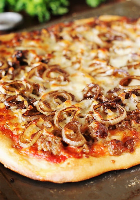 Baked Sausage & Balsamic-Caramelized Onion Pizza Image