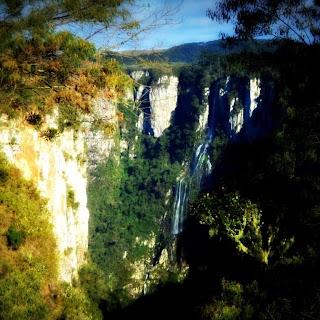 Cascata Véu de Noiva Vista da Trilha do Vértice