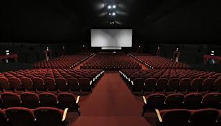 تفسير مشاهدة السينما في حلم العزباء