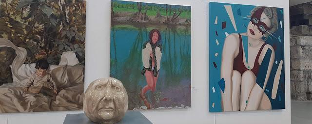 obras de arte em exposição na Bienal de Gaia