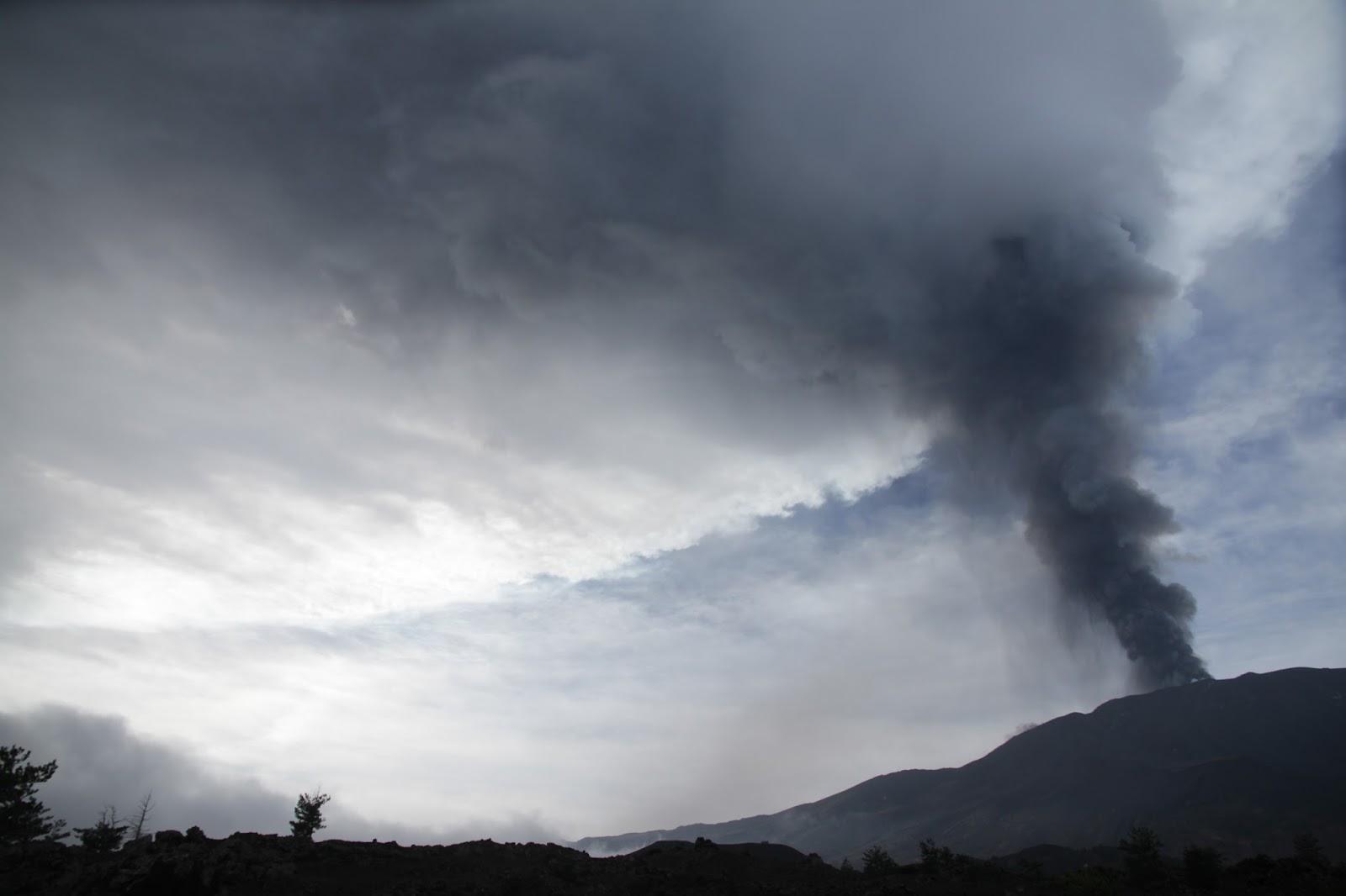 Rischio vesuvio risk vesuvius rischio vesuvio etna e for Cenere vulcanica