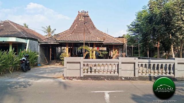 Rumah Fasilitas Joglo dekat Pasar Cebongan