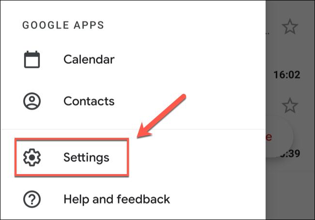 """في قائمة تطبيق Gmail ، انقر على خيار """"الإعدادات""""."""
