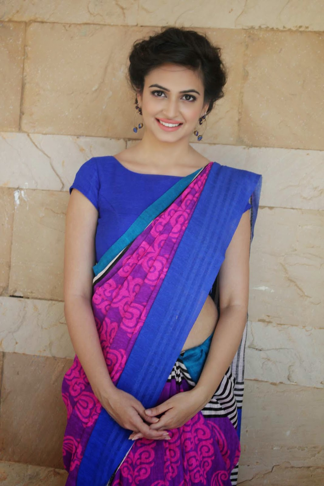 Kriti Kharbanda Hot Hip Show Photos In Blue Saree