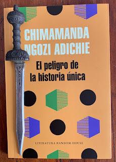 Portada del libro El peligro de la historia única, de Chimamanda Ngozi Adichie
