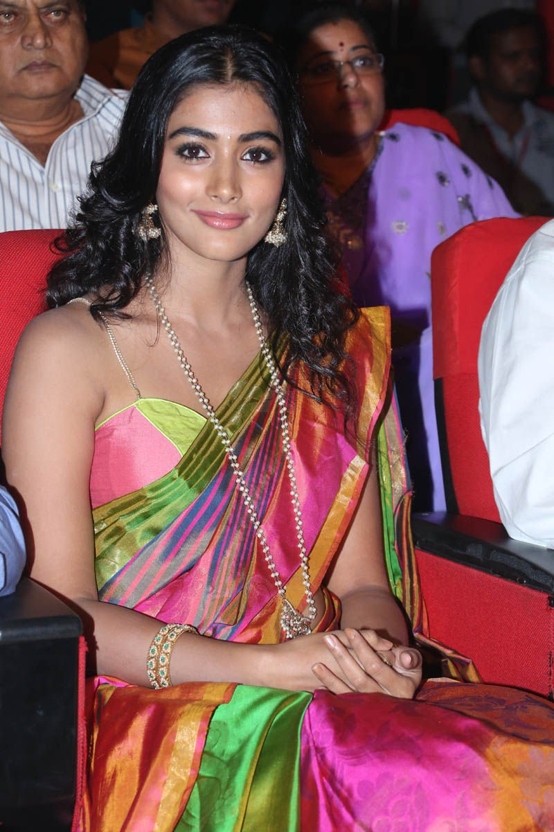 Actress PoojaHegde Latest HD Images