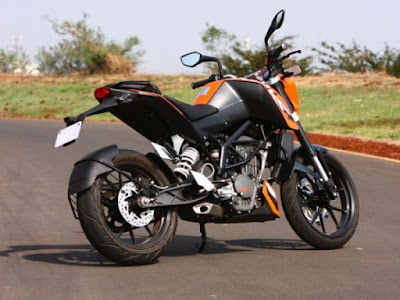KTM 200 Duke right side rear look