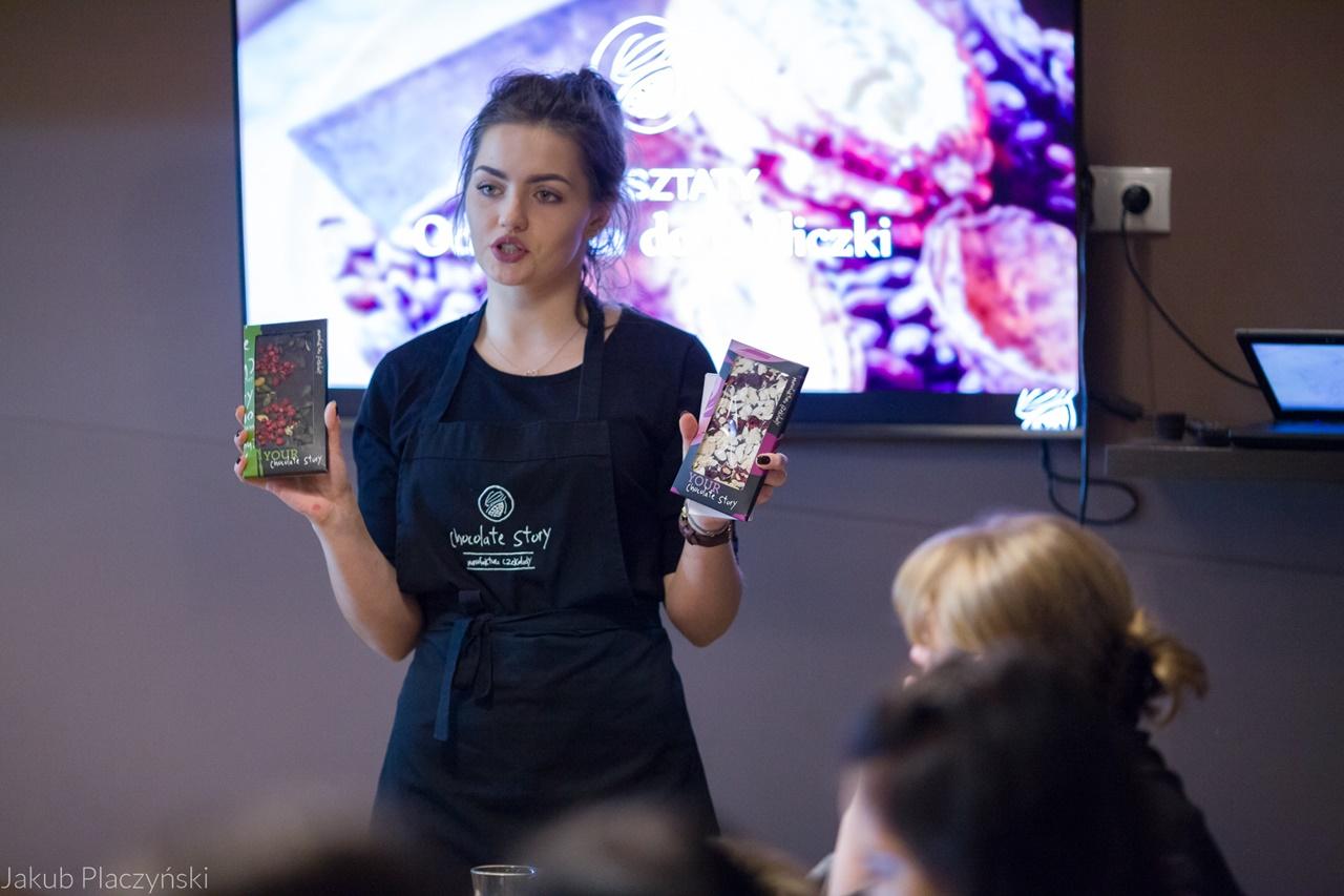 6 warsztaty robienia czekoladowych słodkości manufaktura czekolady warsztaty tabliczek pralin jak zrobić narzędzia z czekolady