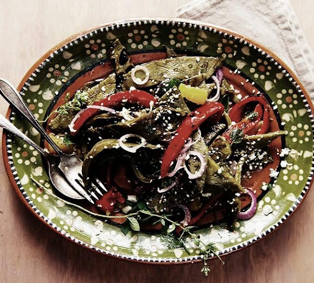 ensalada-de-nopales-con-chile-de-arbol