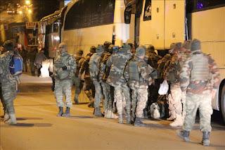 """تعزيزات من """"الكوماندوز"""" التركية تصل الحدود السورية (صور)"""