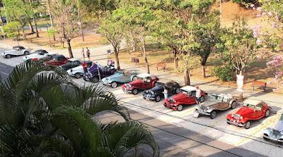 MPs perfilados na Praça Doutor Vicente Rizzo.