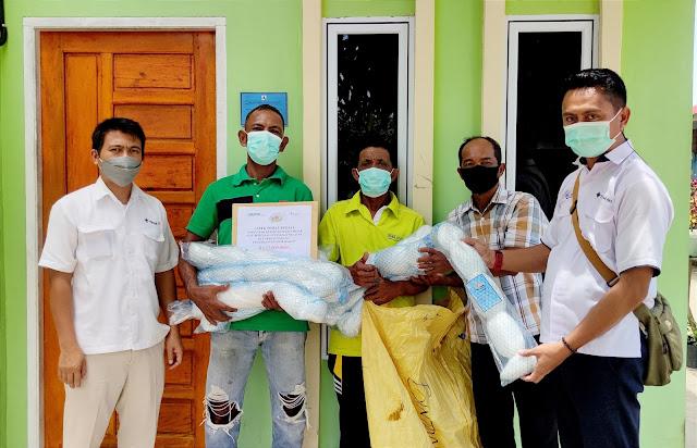 KUB Batu Besar Kelurahan Sawang Terima Bantuan Jaring dari PT Timah Tbk