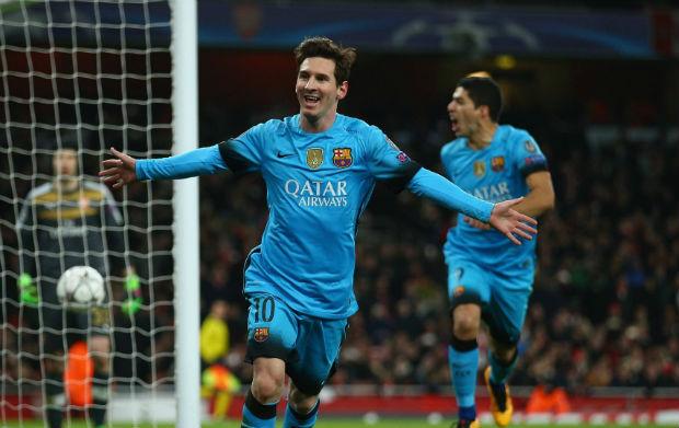 Leo Messi marque 2 buts et permet à Barcelone de s'imposer face à Arsenal